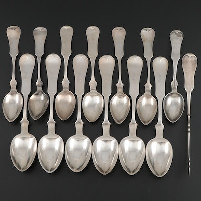 Duhme & Co. Coin Silver Fiddle Handle Spoons and Butter Spreader, 19th Century