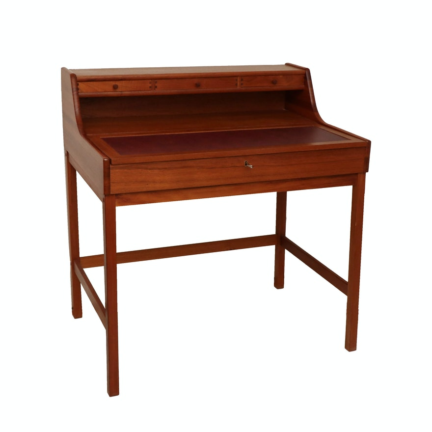 Arts and Crafts Style Teak Writing Desk, 20th Century