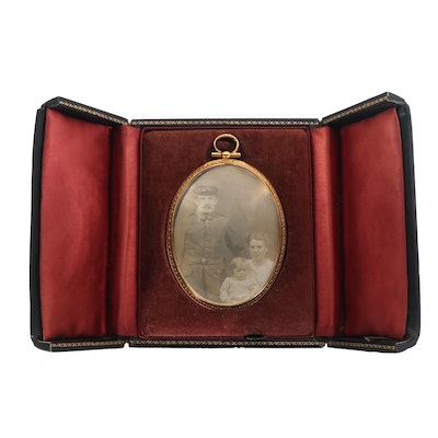 WWI Era German Officer Family Portrait Medallion, circa 1918