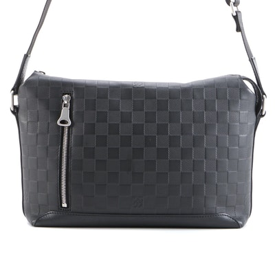 Louis Vuitton Discovery PM Messenger Bag in Graphite Damier Infini Leather