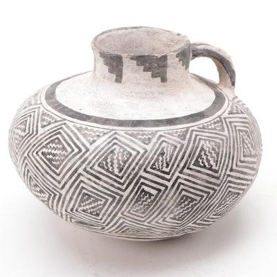Ancestral Puebloan (Cibola) White Ware Pottery Vessel, ca. 650-1300