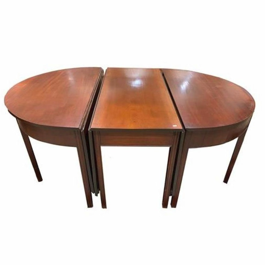 American Mahogany Three-Part Dining Table, Late 18th/Early 19th C.