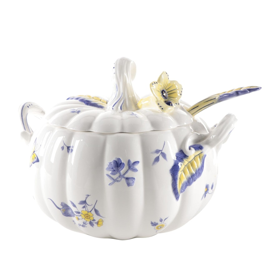 "Spode ""Imperial Garden"" Pumpkin Shaped Lidded Tureen and Ladle, 21st Century"