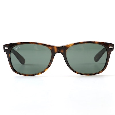 Ray-Ban RB2132 New Wayfarer Sunglasses in Tortoiseshell