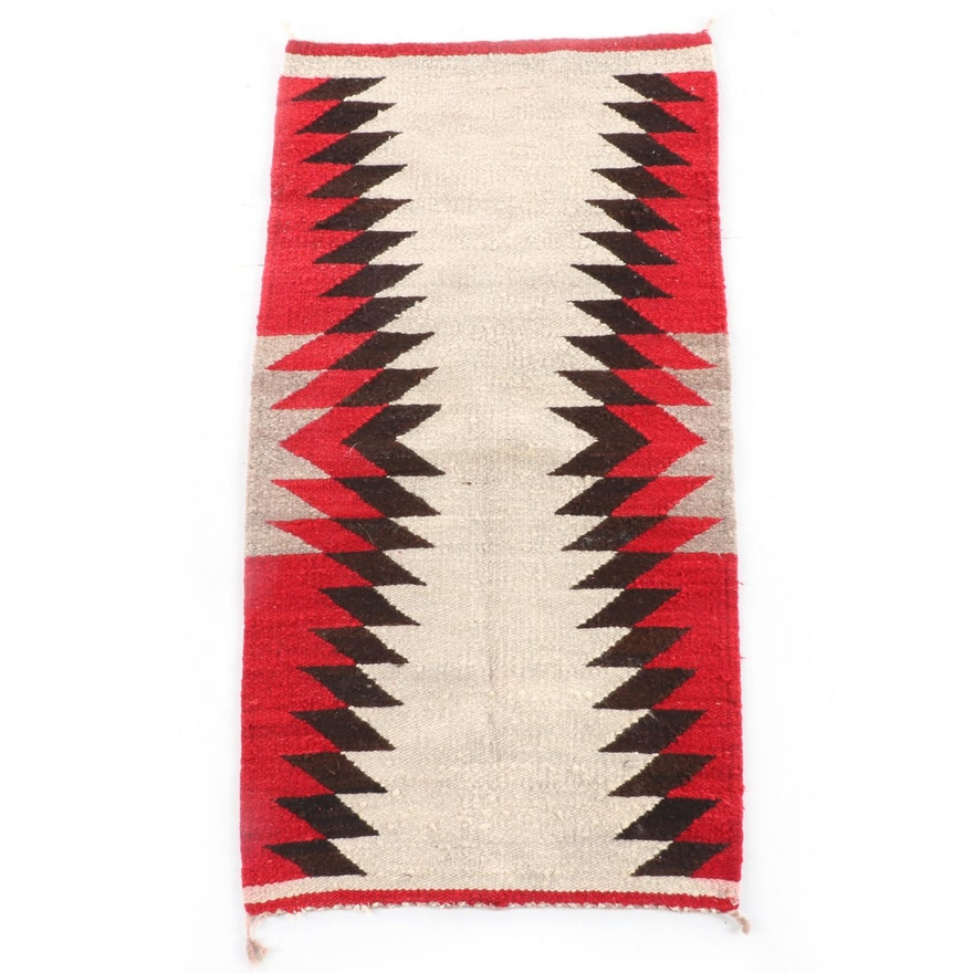 1'8 x 3'2 Handwoven Navajo Transitional Wool Rug
