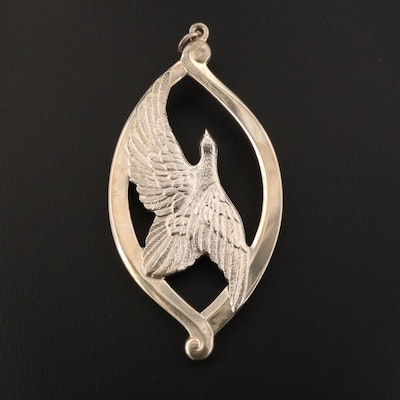 "1974 Wallace Silversmiths Sterling Silver ""Peace on Earth"" Medallion"