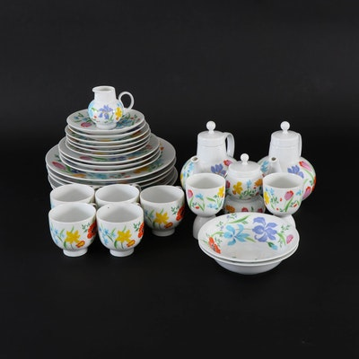 "Heinrich ""Primavera"" Porcelain Tea Service and Dinnerware, 20th Century"