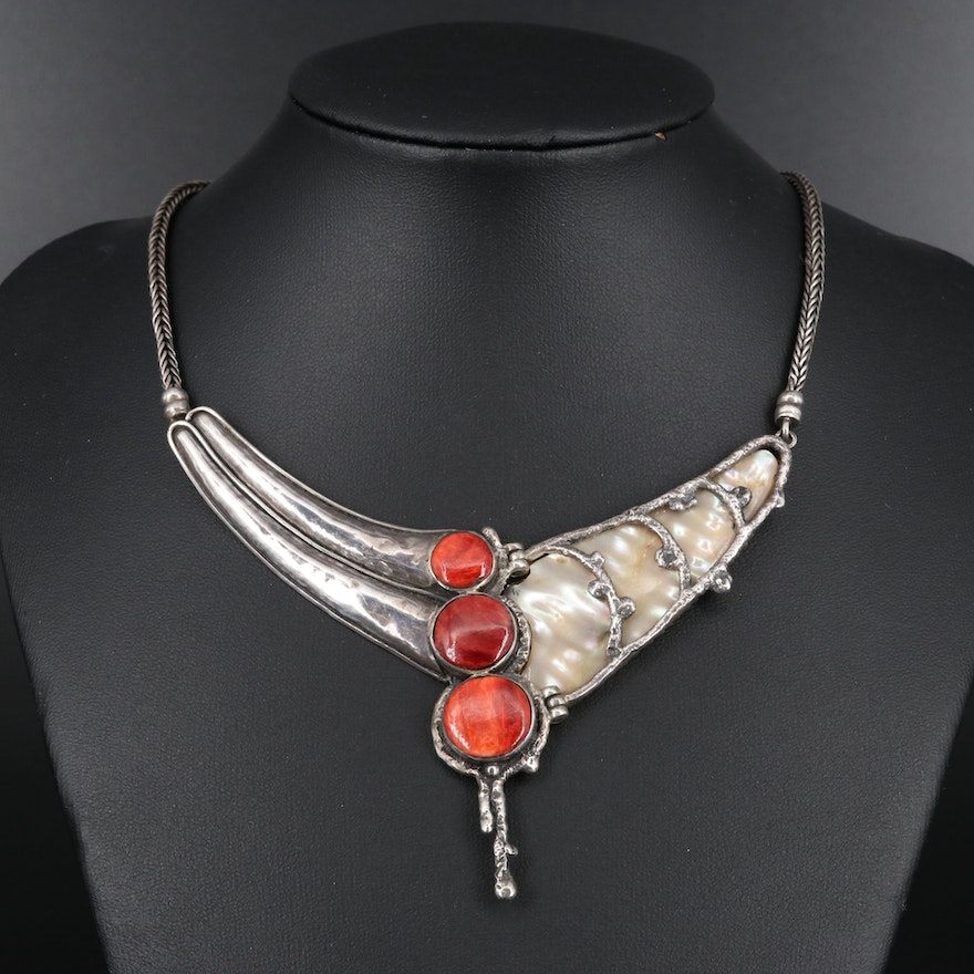 950 Silver Bib Necklace Featuring Spiny Oyster and Mother of Pearl
