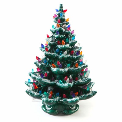 Atlantic Mold Illuminated Ceramic Musical Christmas Tree, Late 20th Century