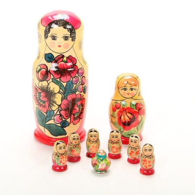 Russian Hand-Painted Matryoshka Nesting Dolls, Late 20th Century