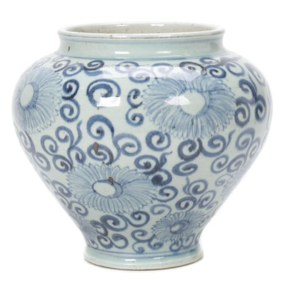 Chinese Blue and White Chrysanthemum Vase