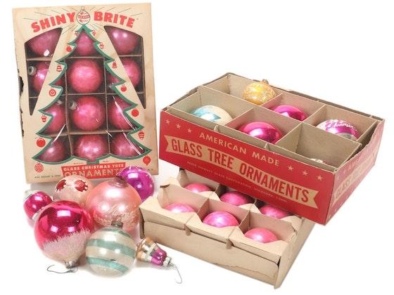 Holiday Ornaments & Décor
