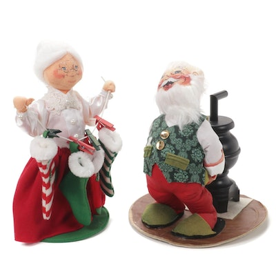 Annalee Mobilitee Santa and Mrs. Claus Dolls