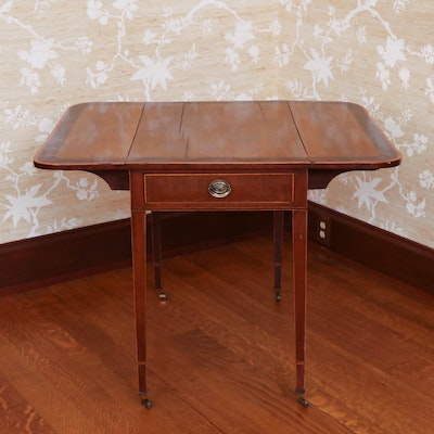 Regency Walnut and Mahogany Pembroke Table, Early 19th Century