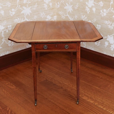George III Mahogany Pembroke Table with Satinwood Inlaid Border, 18th Century