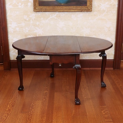 George III Mahogany Drop-Leaf Dining Table, Late 18th Century