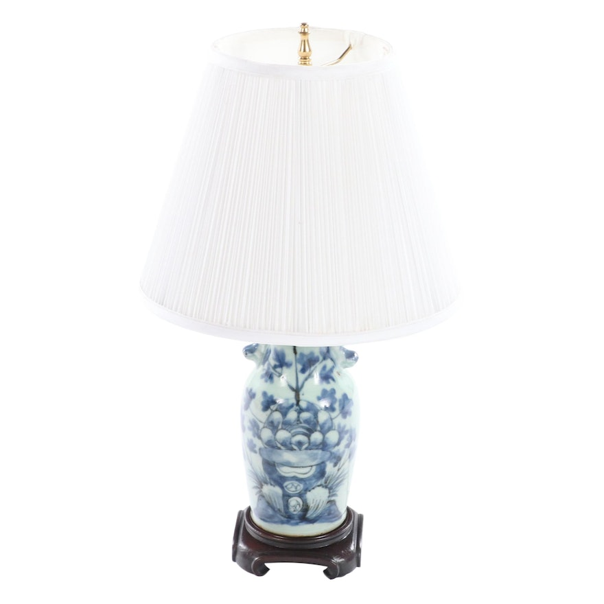 Small Chinese Porcelain Baluster Vase Accent Lamp