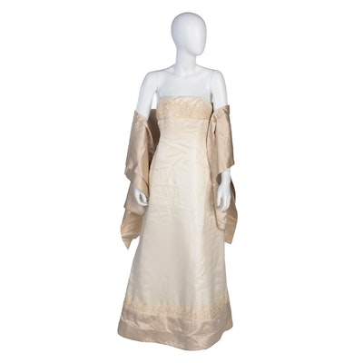 Vera Wang Silk Embroidered Wedding Gown with Sash