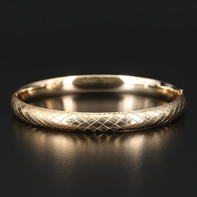 14K Hinged Bangle with Cross Hatch Pattern