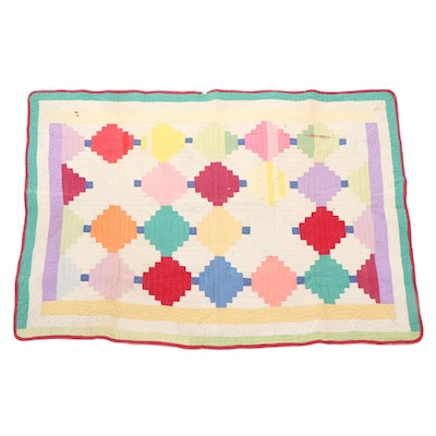"""Handcrafted """"Courthouse Steps Log Cabin"""" Pieced Feed Sack Quilt, Early 20th C."""