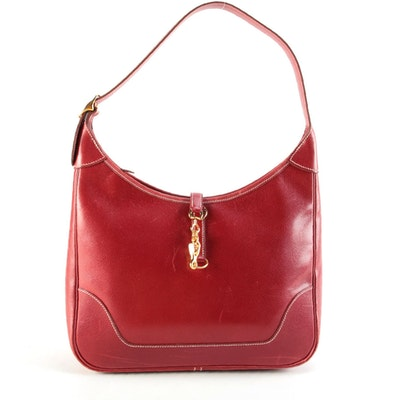 Hermès Trim II Shoulder Bag in Rouge H Courchevel Grained Leather