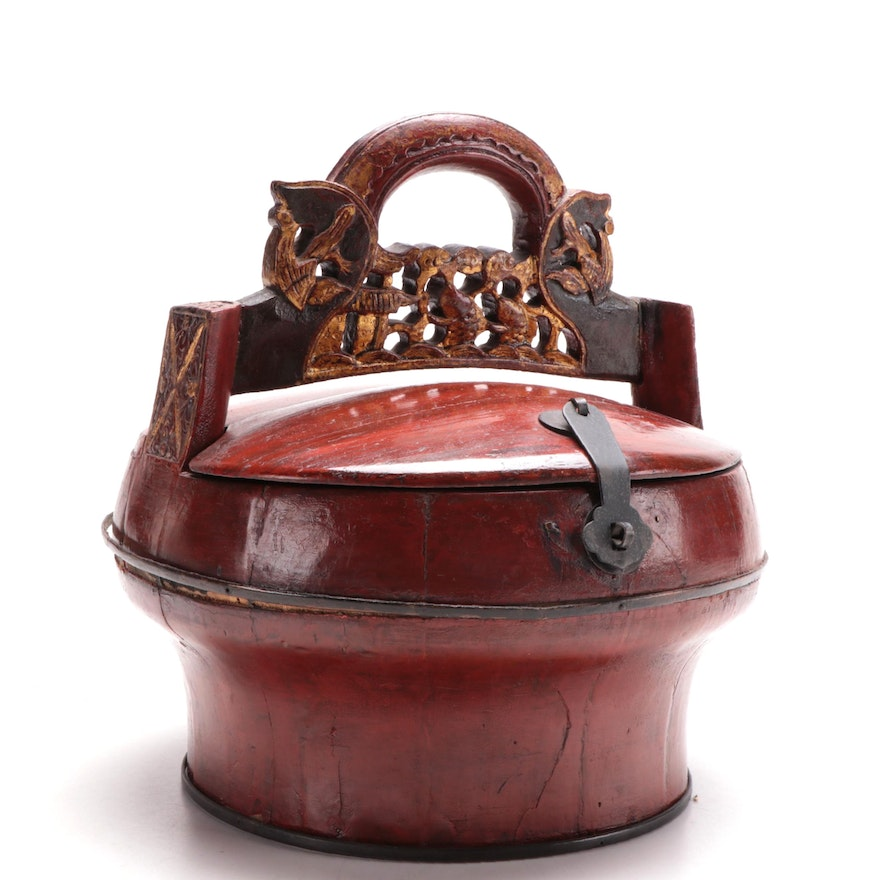 Chinese Parcel Gilt and Red Lacquered Wood Wedding Basket