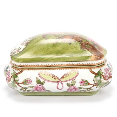 Chinese Lidded Porcelain Box, Late 20th Century