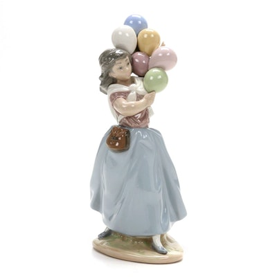 "Lladró "" Balloon Seller"" Porcelain Figurine Designed by Vicente Martínez"