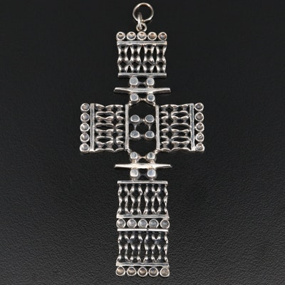 Finnish Modernist Jorma Laine for Kultateollisuus Ky 830 Silver Cross Pendant