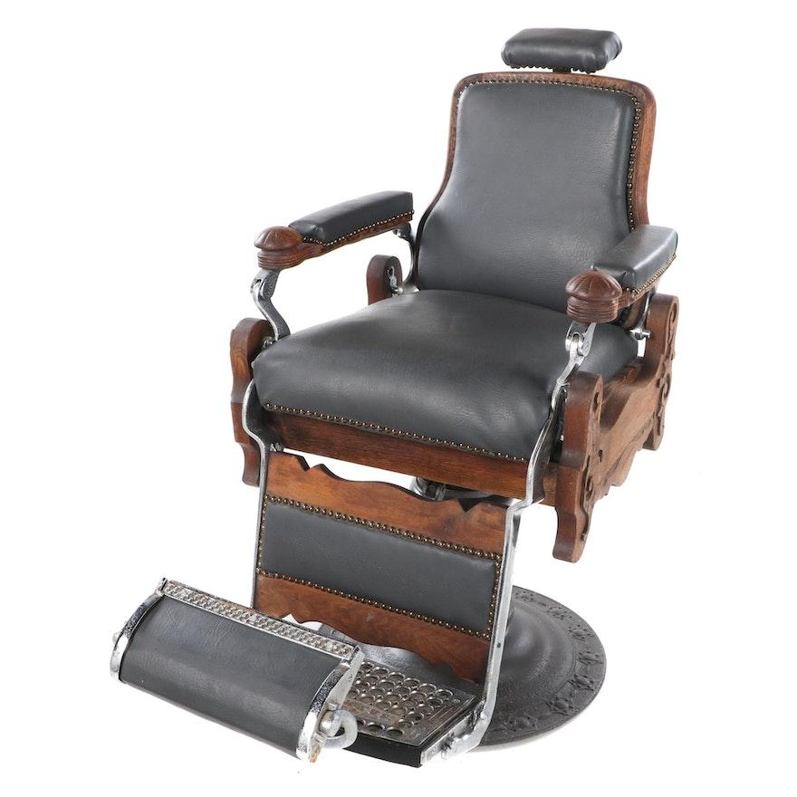 E. Berninghaus of Cincinnati Oak, Walnut and Leather Barber's Chair