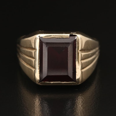 10K Corundum Ring with Fluted Shoulders