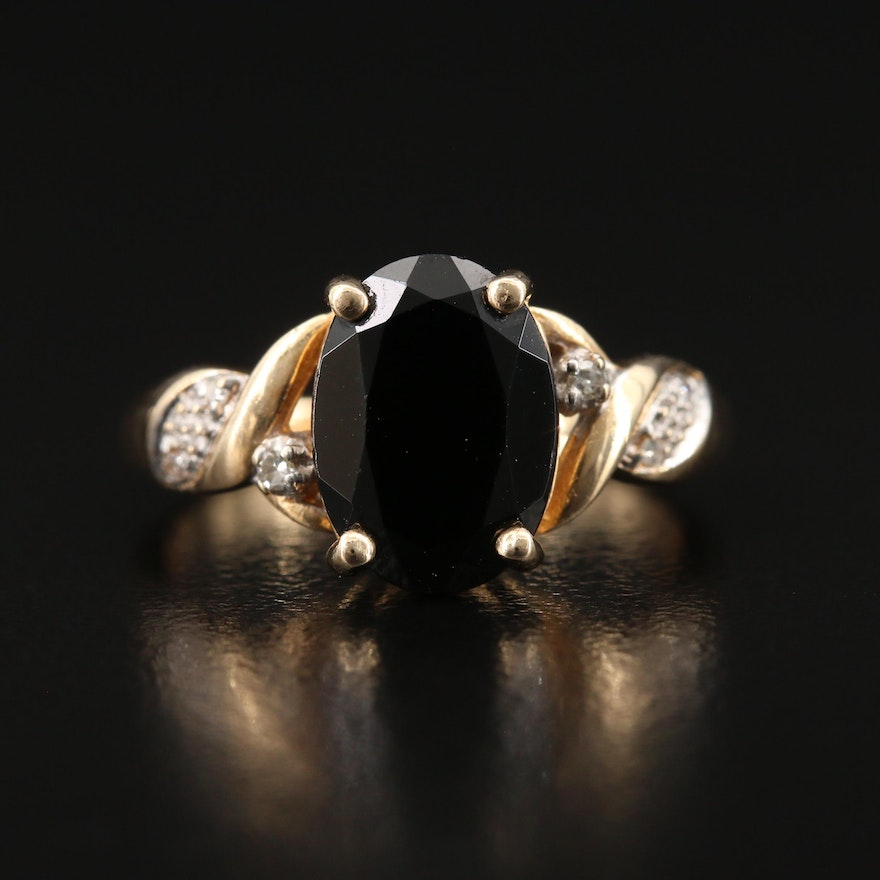 10K Spinel and Diamond Twist Ring