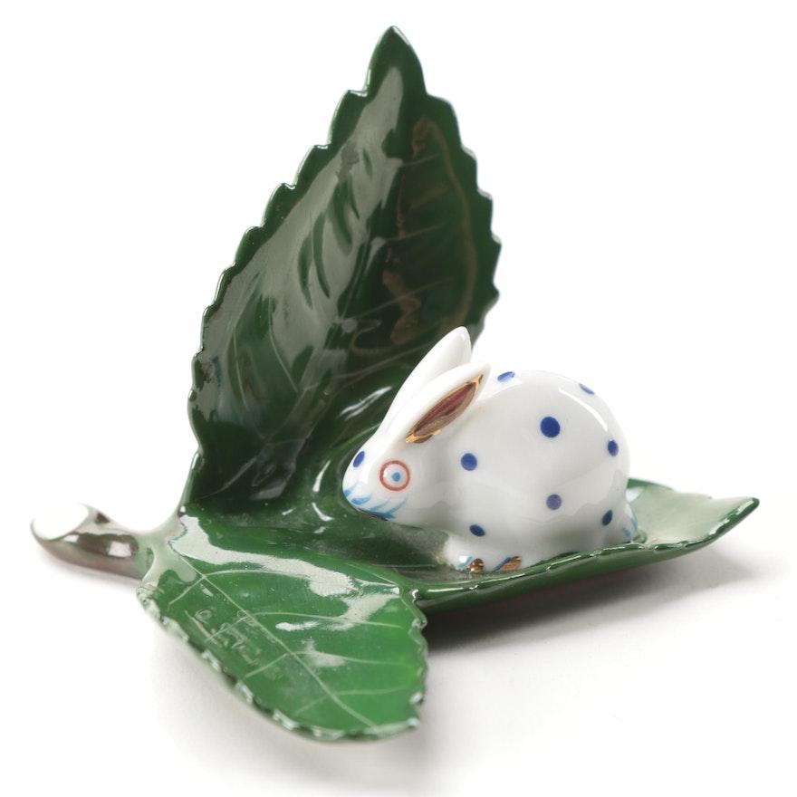 """Herend """"Bunny on Leaf"""" Porcelain Place Card Holder Figurine, July 1991"""