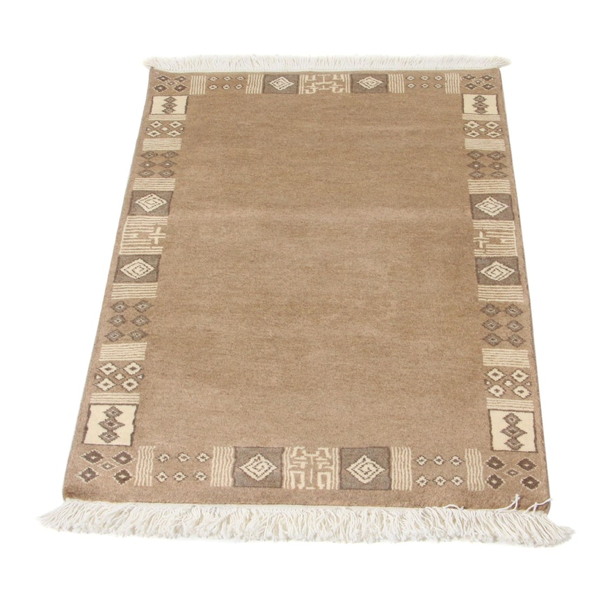 2'7 x 4' Hand-Knotted Pakistani Moroccan Accent Rug, 2010s