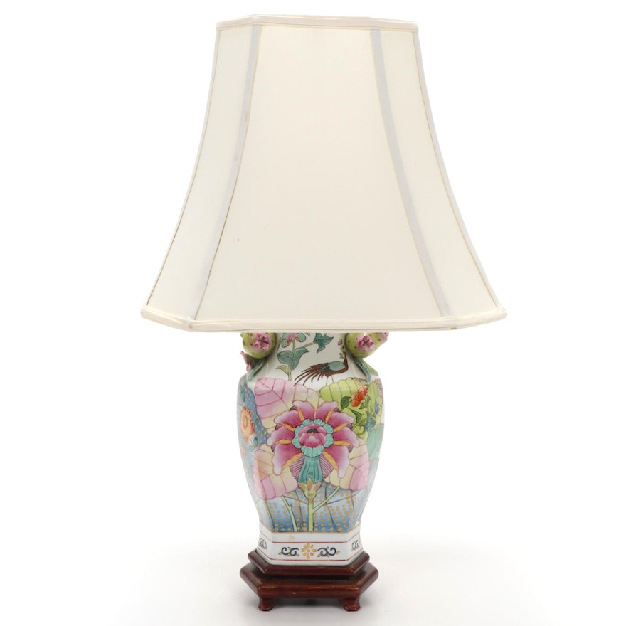 Chinese Tobacco Leaf Porcelain Table Lamp