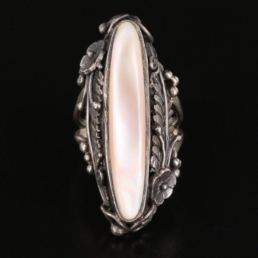 Western Style Sterling Mother of Pearl Pointer Ring