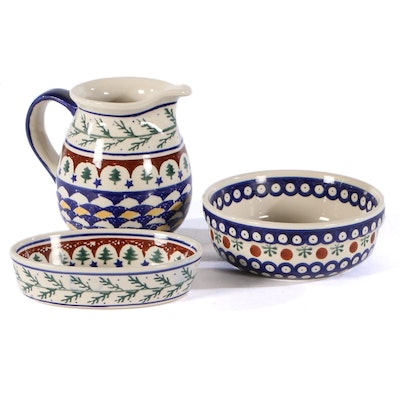 Bolesławiec Polish Pottery Pitcher, Bowl and Oval Dish, Late 20th Century