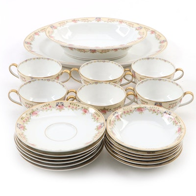 Théodore Haviland Floral Motif Porcelain Dinnerware, Early 20th Century