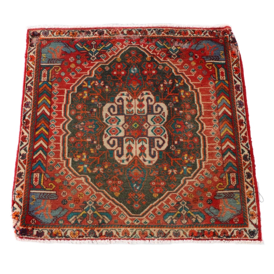 2'2 x 2'2 Hand-Knotted Persian Abadeh Wool Floor Mat