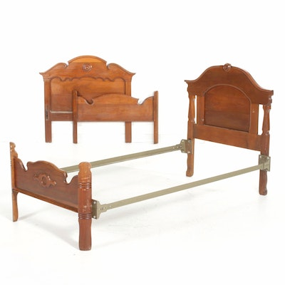 Pair of Victorian Walnut Twin Beds, Late 19th Century