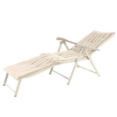 Folding Outdoor Lounge Chair