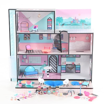 "L.O.L. Dolls ""O.M.G. House"" Wooden Playhouse with Accessories and Dolls"