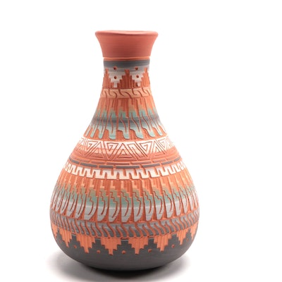 Tannia Smith Navajo Art Pottery Vase
