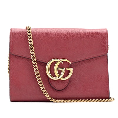 Gucci GG Marmont in Vulcanic Red Grained Calfskin Crossbody Wallet on Chain