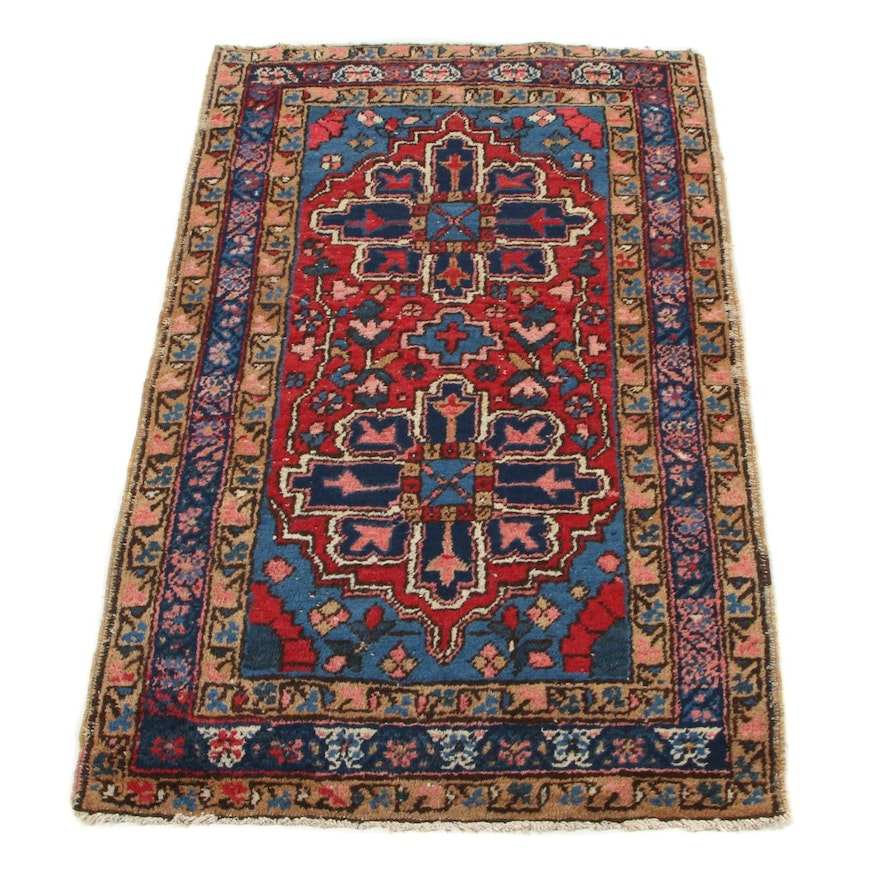 2'8 x 4'6 Hand-Knotted Persian Heriz Accent Rug, 1920s