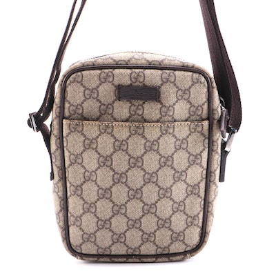 Gucci Messanger Shoulder Bag in GG Supreme Coated Canvas