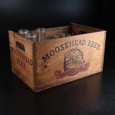 """Moosehead """"Canadian Lager"""" Wooden Beer Crate with Glass Beverage Bottles"""