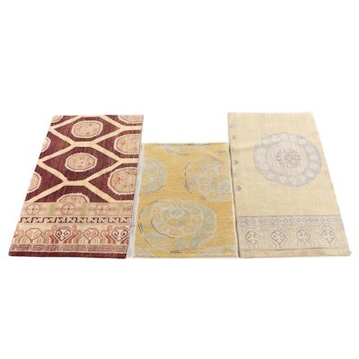 2'3 x 4'0 Hand-Knotted Indian Accent Rugs from The Rug Gallery