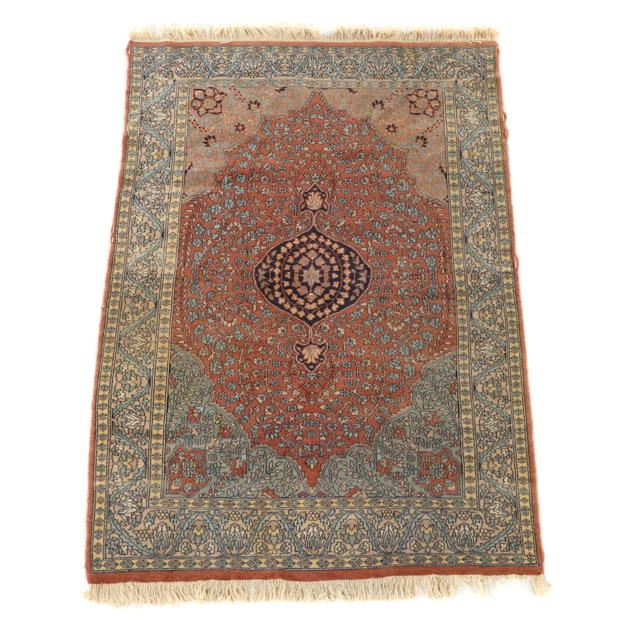 4'1 x 6'5 Hand-Knotted Indo-Persian Isfahan Wool Area Rug
