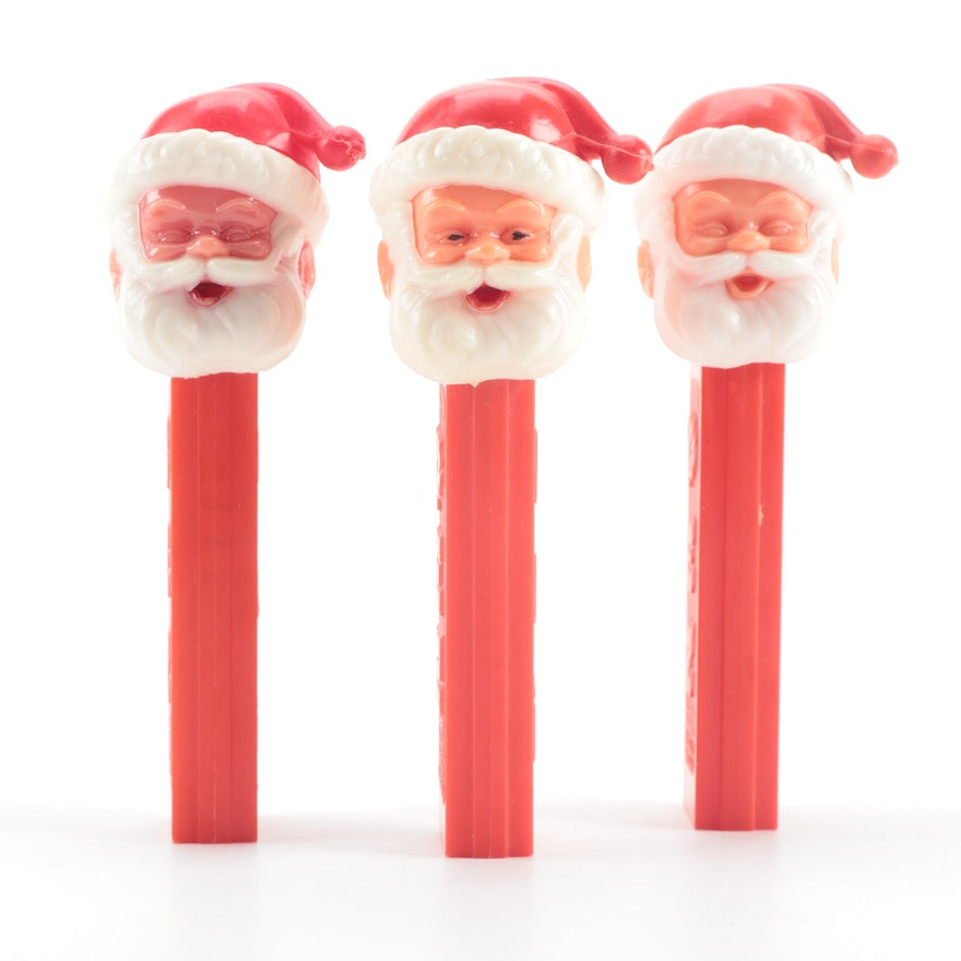 "PEZ ""Santa"" Candy Dispensers with No Feet"